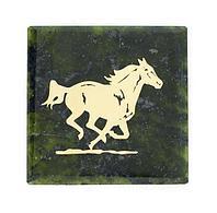 Магнит «Скачущая лошадь» (вариант 2), камень змеевик
