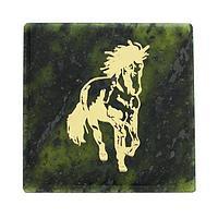 Магнит «Скачущая лошадь» (вариант 3), камень змеевик