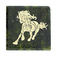 Магнит «Скачущая лошадь» (вариант 4), камень змеевик