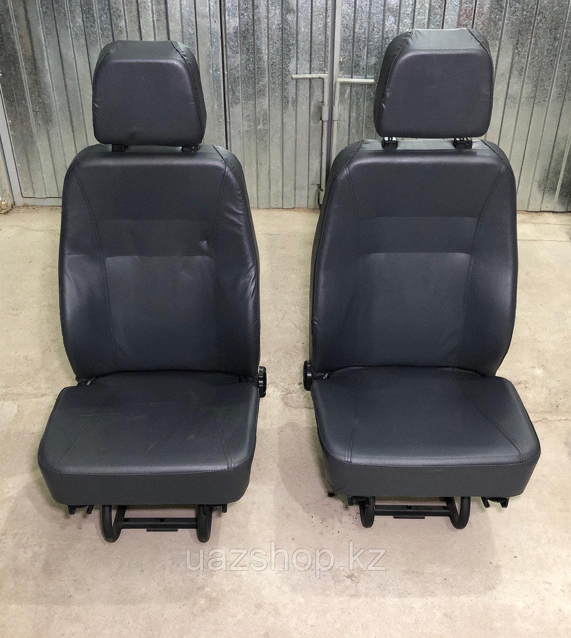 Пара передних сидений