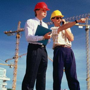 строительство и реконструкционные услуги  зданий и сооружений