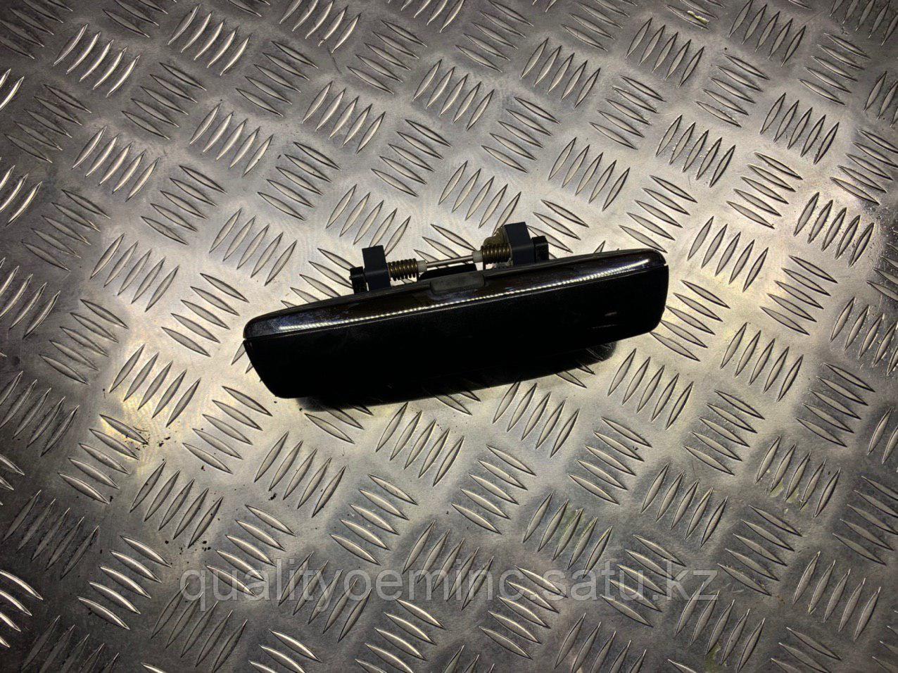 Ручка наружная двери задней правой на Audi A8 D3/4E [рестайлинг]