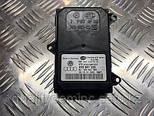 Блок управления постоянным ближним светом фары на Audi A8 D4/4H