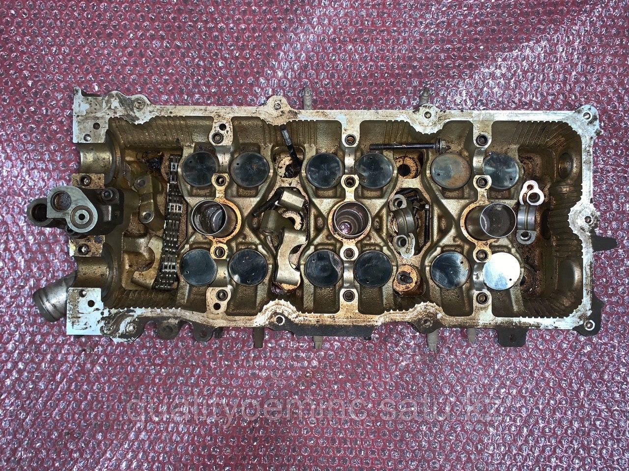 Головка блока цилиндров правая на Infiniti FX 1 поколение (S50)