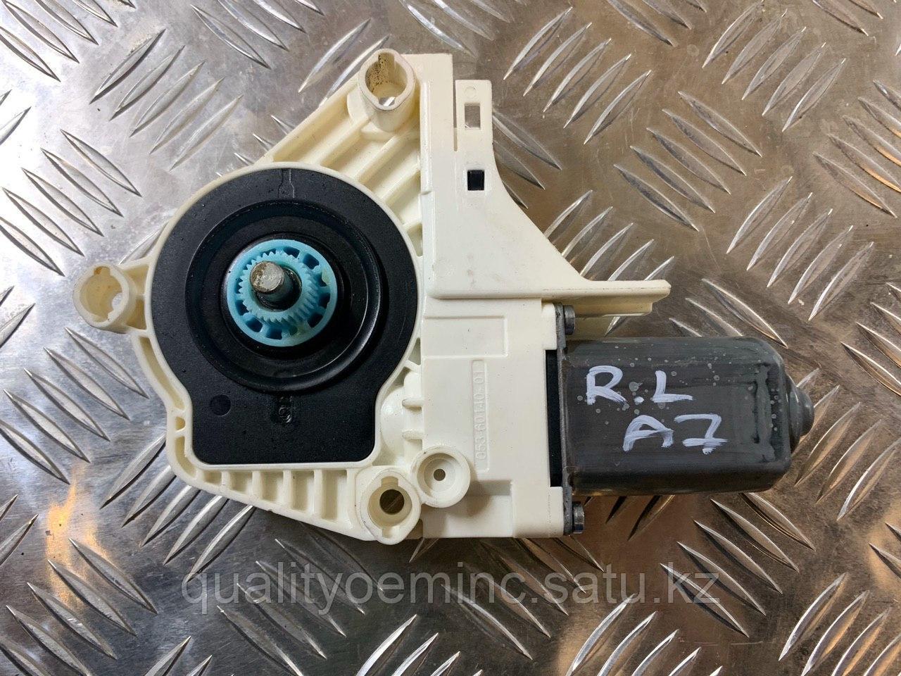 Моторчик стеклоподъемника задний левый на Audi A7 4G