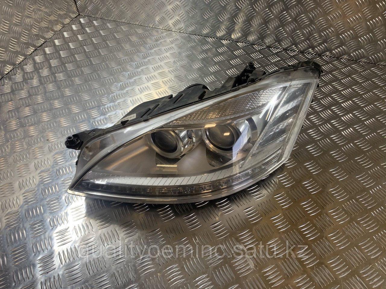 Фара левая на Mercedes-Benz S-Класс W221 [рестайлинг]