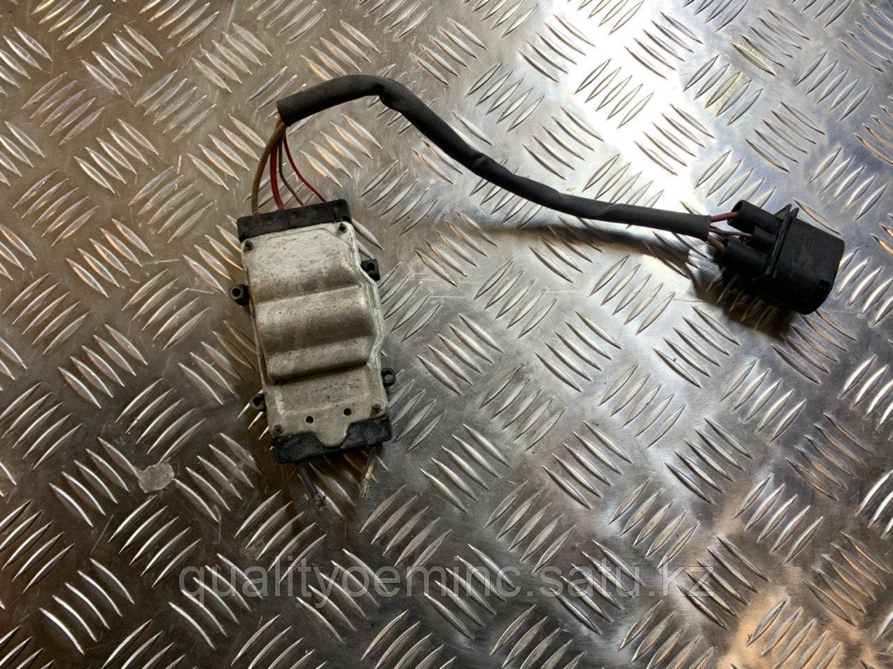 Блок управления вентилятором радиатора на Audi Q7 4L