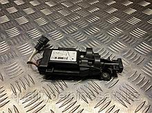 ЭБУ электронного намотчика ремня безопасности на Audi A8 D4/4H