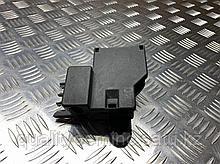 Распределитель тока передний на Audi A8 D4/4H