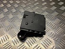 Распределитель тока передний на Audi A7 4G
