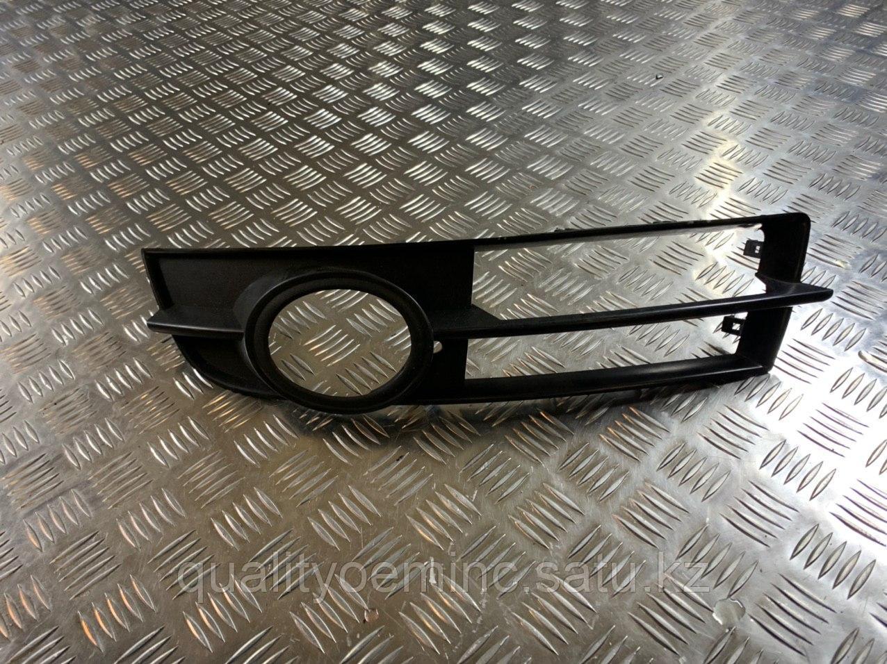 Решетка в бампер левая на Audi A6 4F/C6