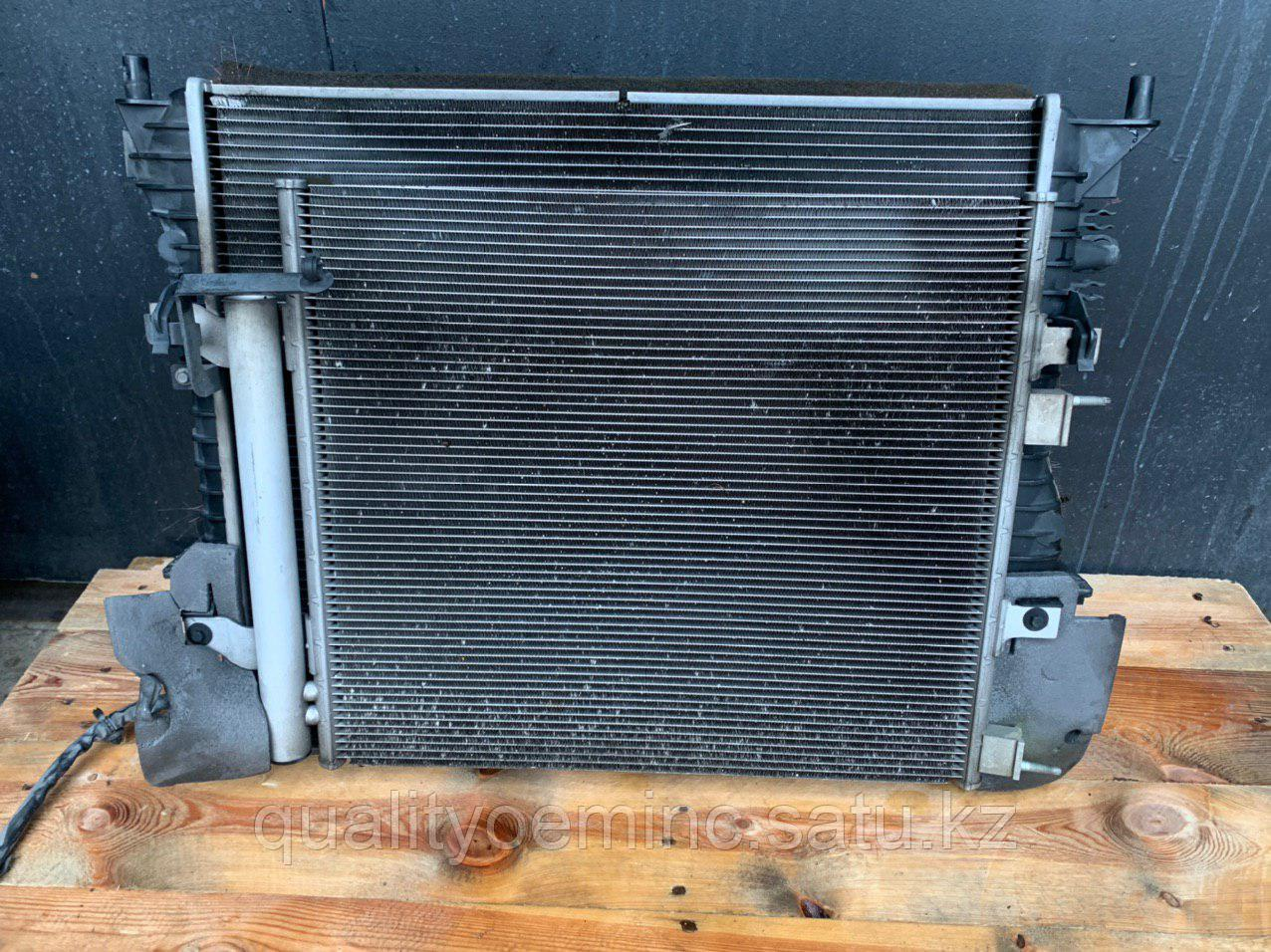 Кассета радиаторов на Jaguar XJ X351