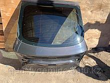 Стекло крышки багажника на Audi A7 4G