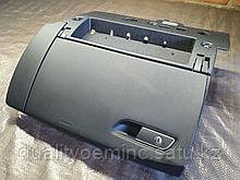 Бардачок на Audi A8 D4/4H