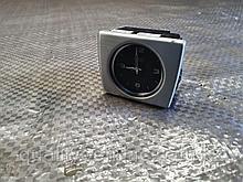 Часы на Audi A8 D4/4H