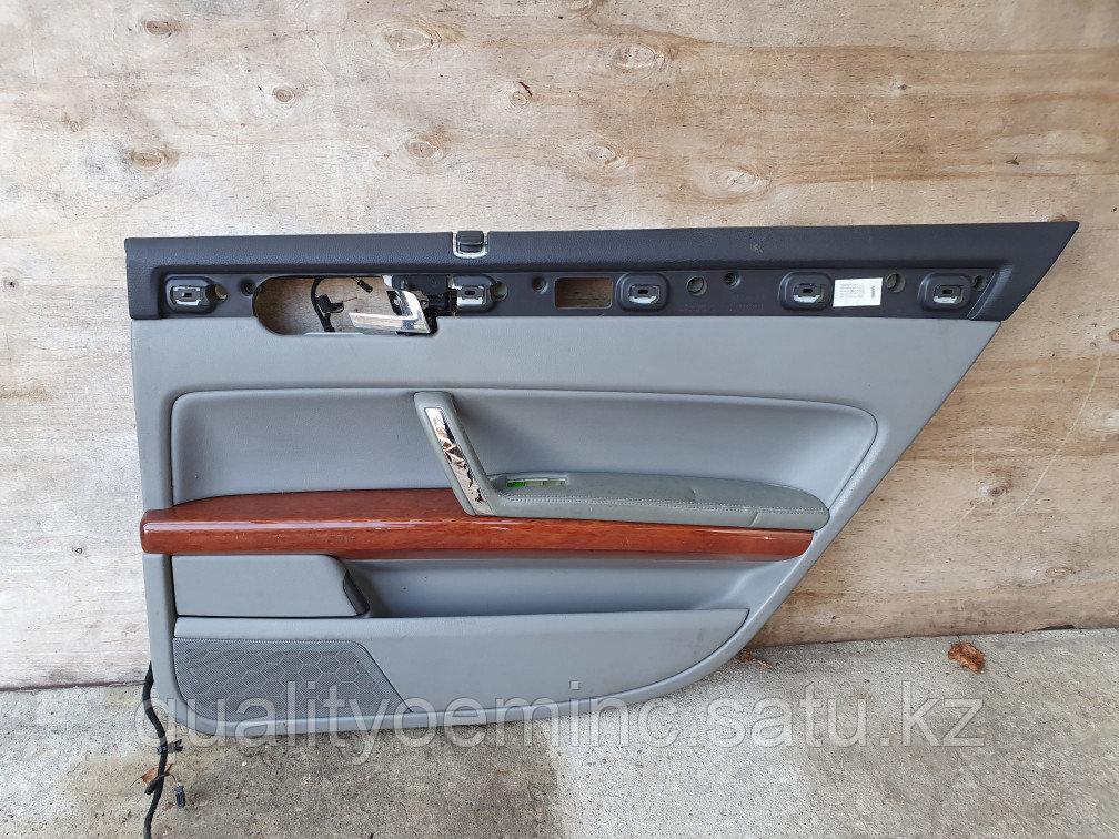 Обшивка двери задней правой на Volkswagen Phaeton 1 поколение