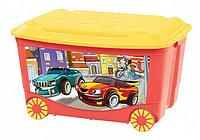 Ящик для игрушек Бытпласт на колесах с аппликацией красный