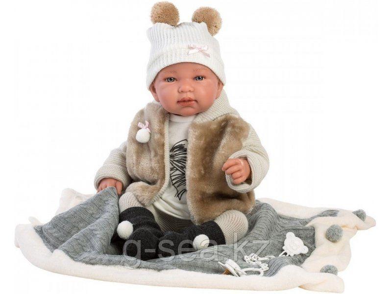 LLORENS: Пупс Малыш 43 см в меховом жилете, с одеялом