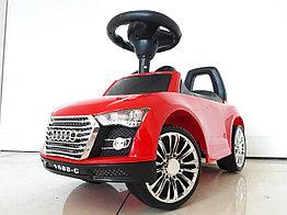 Толокар-машинка Audi. Красная!