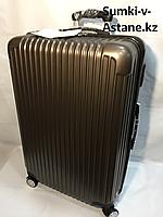 """Большой пластиковый дорожный чемодан на 4-х колесах""""Longstar"""".Высота 74 см, ширина 46 см, глубина 27 см., фото 1"""