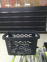 Корзина покупательская пластиковая SHOLS 27л с одной ручкой черного цвета