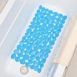 Коврик для ванны Доляна «Галька крупная», 35×71 см, цвет синий, фото 3