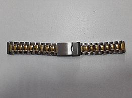 Металлический браслет на наручные часы.