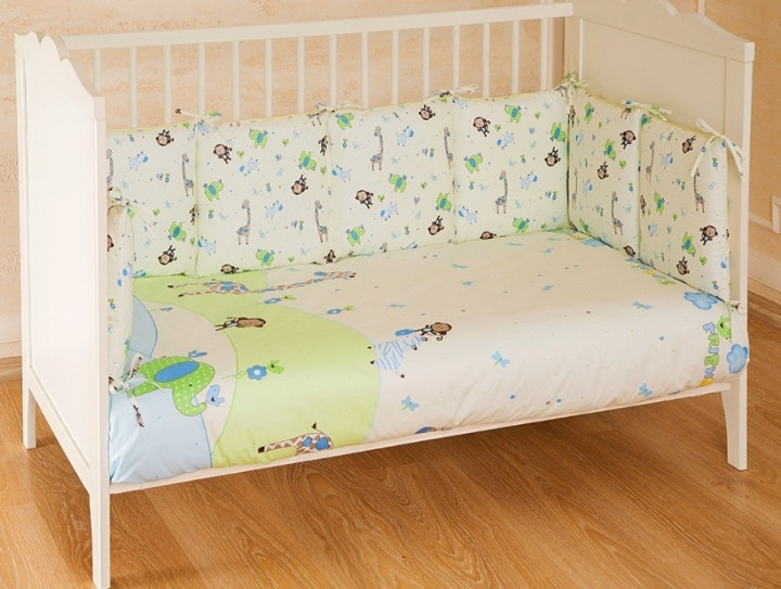 Комплект в кроватку 4 предмета Pituso универсальный слитные подушки Зоопарк