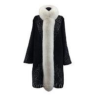 Черно-белое пальто с мехом песца