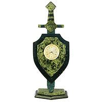 """Часы подарочные """"Щит и меч"""" из камня змеевик"""
