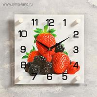 """Часы настенные, серия: Кухня, """"Клубника и ежевика"""", 25х25 см, микс"""