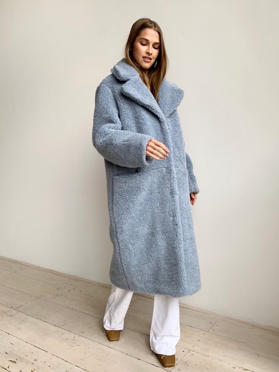 Шуба из натуральной стриженой овечьей шерсти длина 110 см, прорезные карманы, голубой цвет - фото 1