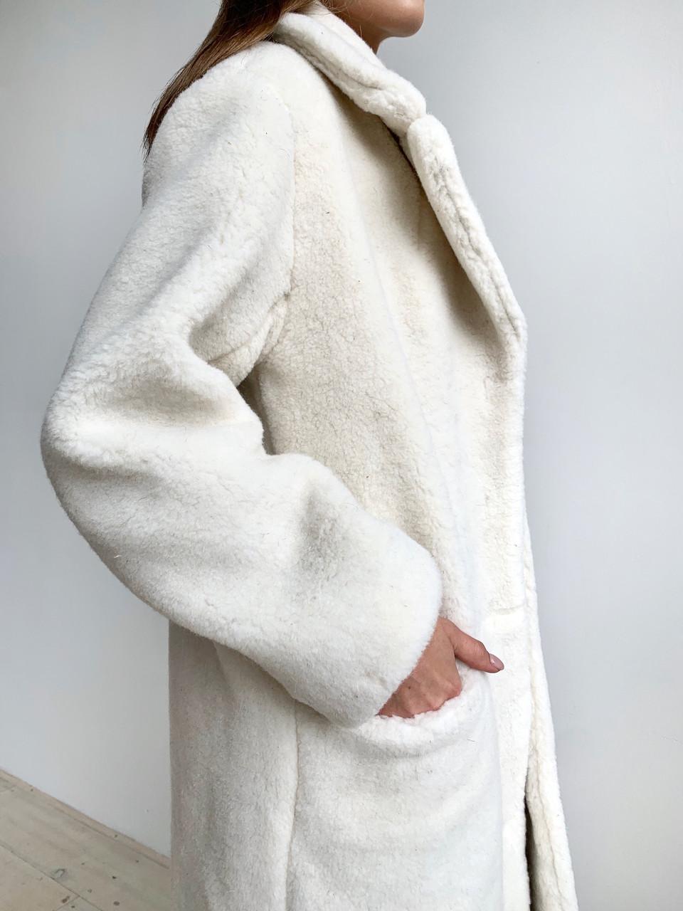 Шуба из натуральной стриженой овечьей шерсти длина 110 см, прорезные карманы, молочный цвет - фото 6