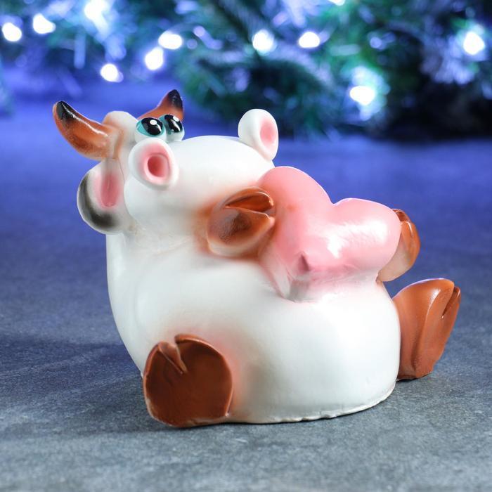 "Копилка ""Символ года: Корова с сердцем"" 15х20см белая"