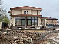 Фасадный декор с элементами лепнины