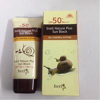 Snail Nature Plus Sun Block Oil Control Jocelyn увлажняющий солнцезащитный крем с экстрактом слизи улитки.