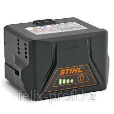 Аккумуляторы-зарядные устройства STIHL для садовых ножниц.
