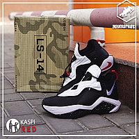 Баскетбольные кроссовки Nike LeBron Soldier 14 ( XIV ) Black\White 40-46
