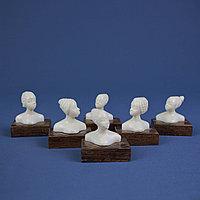 Африканские прически. Фигурки из слоновой кости.