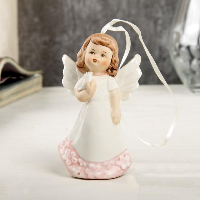 """Сувенир керамика подвес+колокол """"Ангел-девочка в платье с цветами, с голубем""""9,3х3,6х5,5см"""