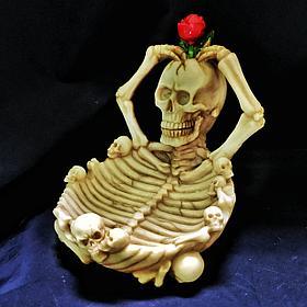 Пепельница Скелет с розой