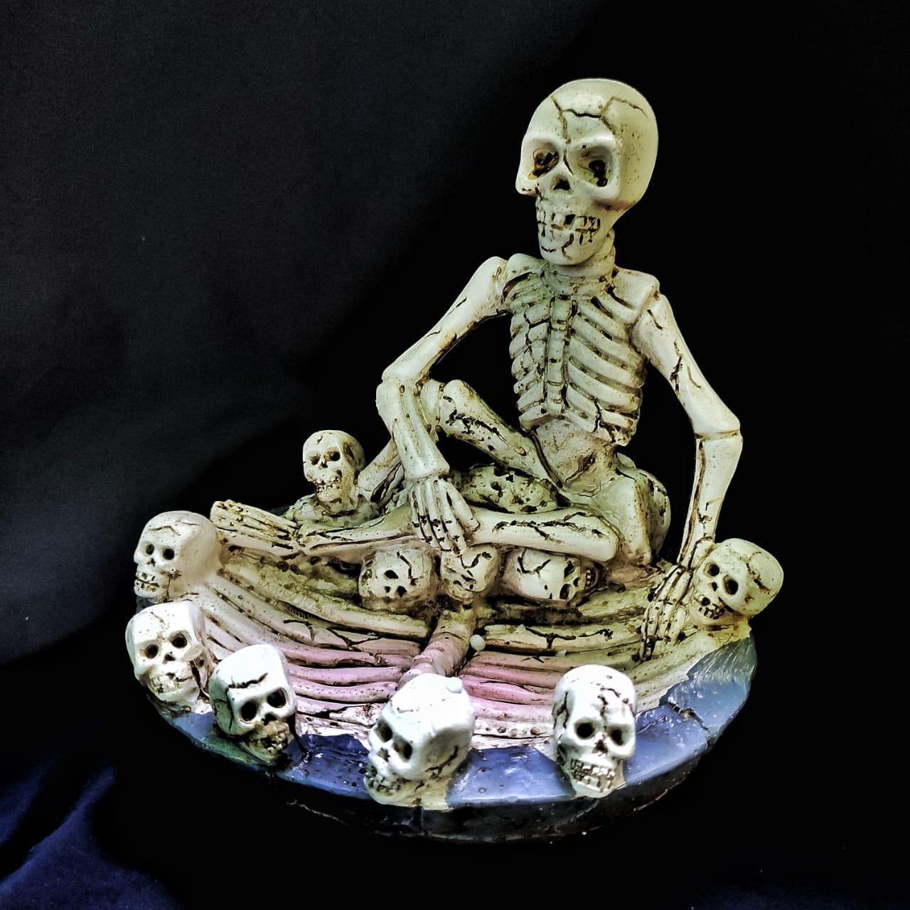 Пепельница Скелет с черепками