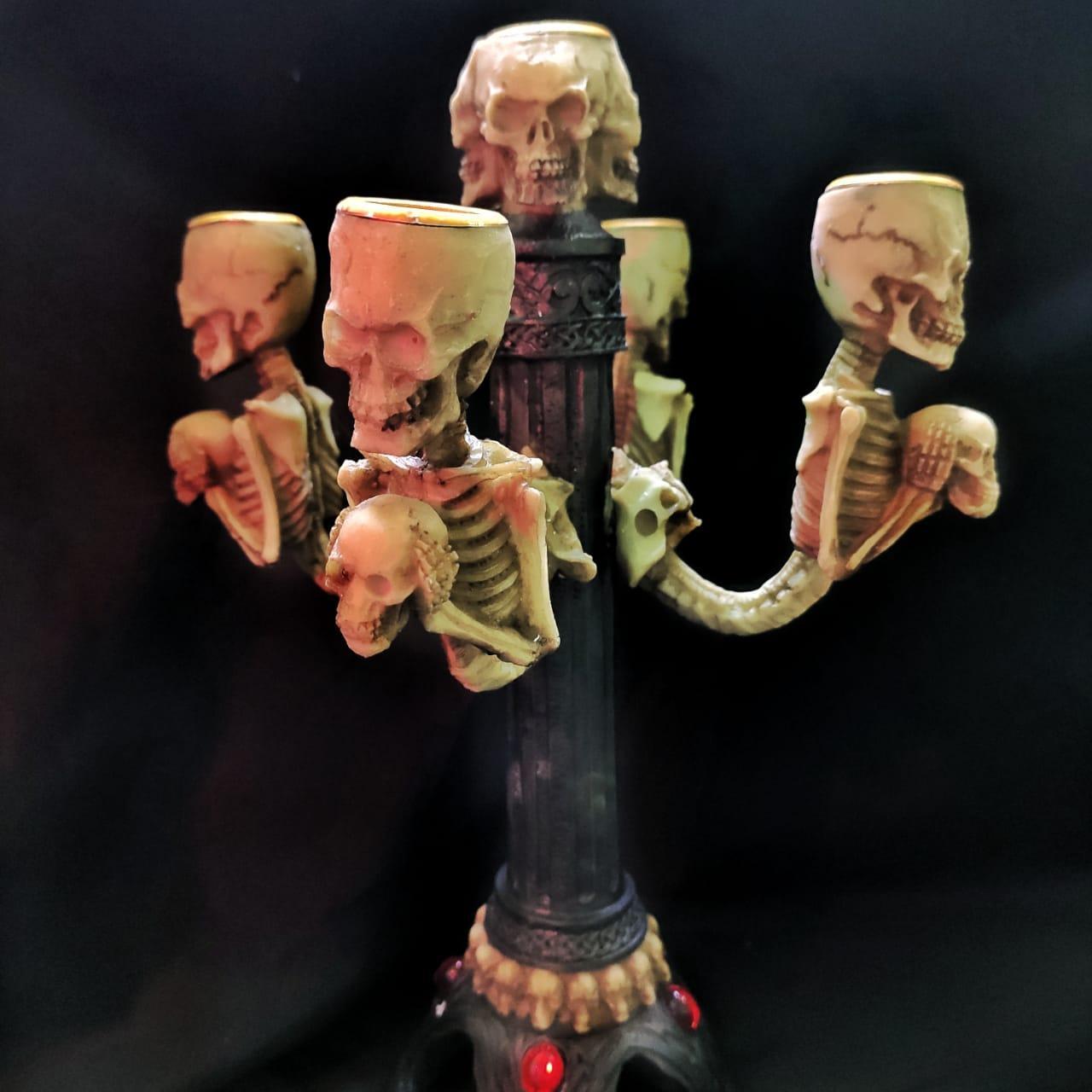 Канделябр со Скелетами