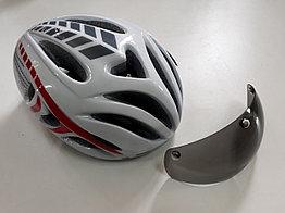 Велосипедный аэродинамичный шлем с очками