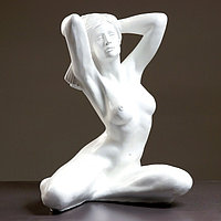 """Фигура """"Девушка сидя Пробуждение"""" 33х39х51см белый"""