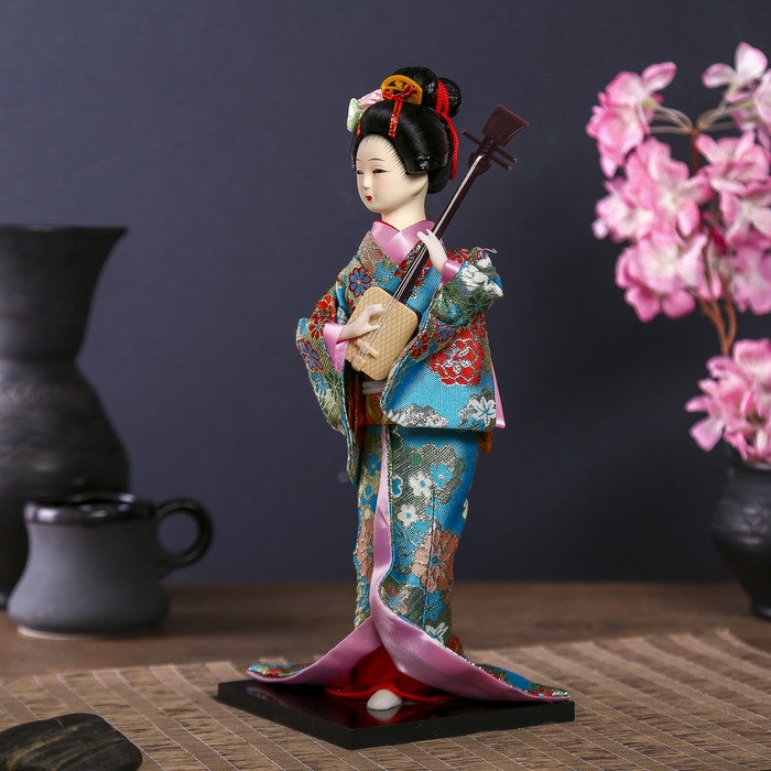 """Кукла коллекционная """"Гейша в цветочном кимоно с музыкальным инструментом"""" - фото 3"""