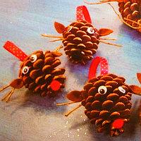 Набор для создания подвесной ёлочной игрушки из шишек «Зверятки»