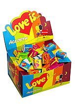 Жвачка Love is... в ассортименте штучно