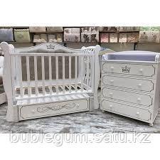 """Кровать детская """"Julia-333"""" Корона с мягкой стенкой, маятником и ящиком с гравировкой"""