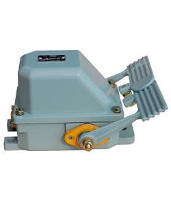 НВ-702 У1, рычаг с 2-мя педалями, 10А, IP44, 2 эл. цепи, выключатель концевой ножной  (ЭТ)